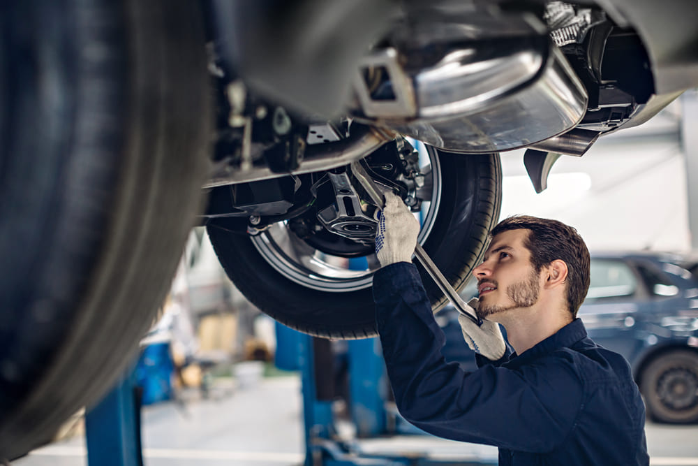 Auxiliar de reparació i manteniment de vehicles lleugers